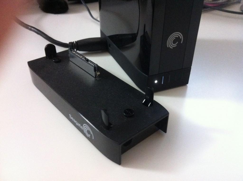Устройство со снятой площадкой USB 3.0 и одетой Firewire 800